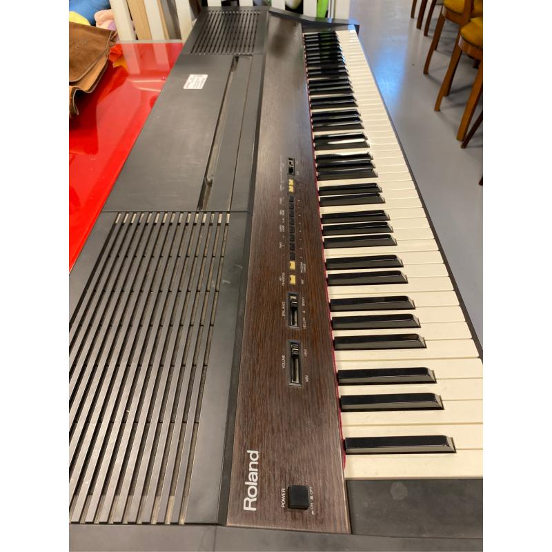 TASTIERA MUSICALE ROLAND PIANOFORTE | Mercatino dell'Usato Atripalda 1