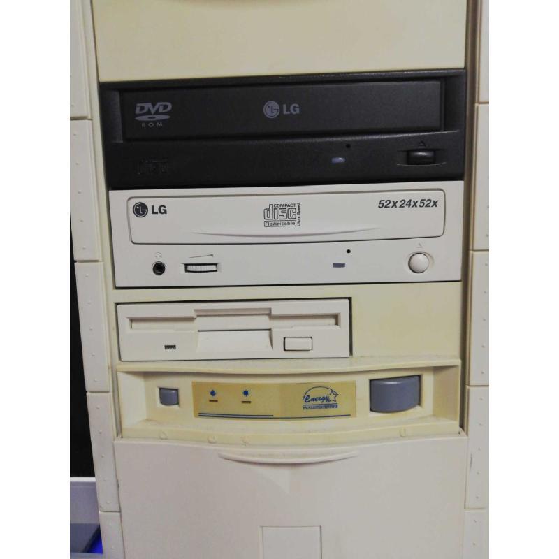 MONITOR PC LG CON TASTIERA MAXXTRO   Mercatino dell'Usato Bitonto 2