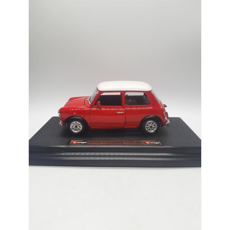MODELLINO AUTO BURAGO MINI COOPER 1960 1/24 BIJOUX COLLECTION   Mercatino dell'Usato Quartu sant'elena 2