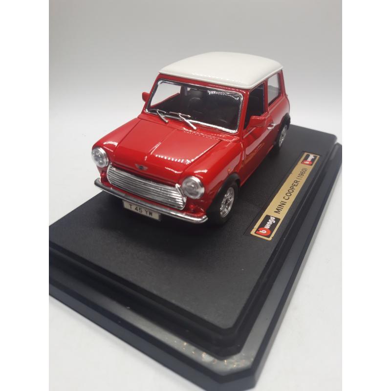 MODELLINO AUTO BURAGO MINI COOPER 1960 1/24 BIJOUX COLLECTION   Mercatino dell'Usato Quartu sant'elena 3