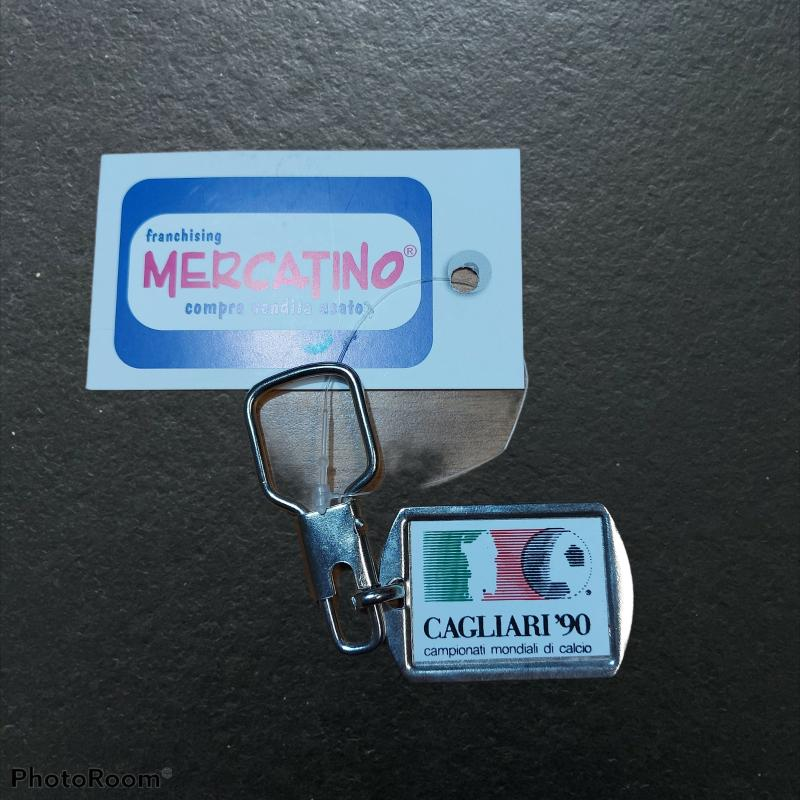 PORTA CHIAVI METALLO CAGLIARI ITALIA 90   Mercatino dell'Usato Cagliari 1