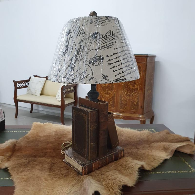 LAMPADA LIBRI ROYAL FAMILY DA SCRIVANIA | Mercatino dell'Usato Lamezia terme 1