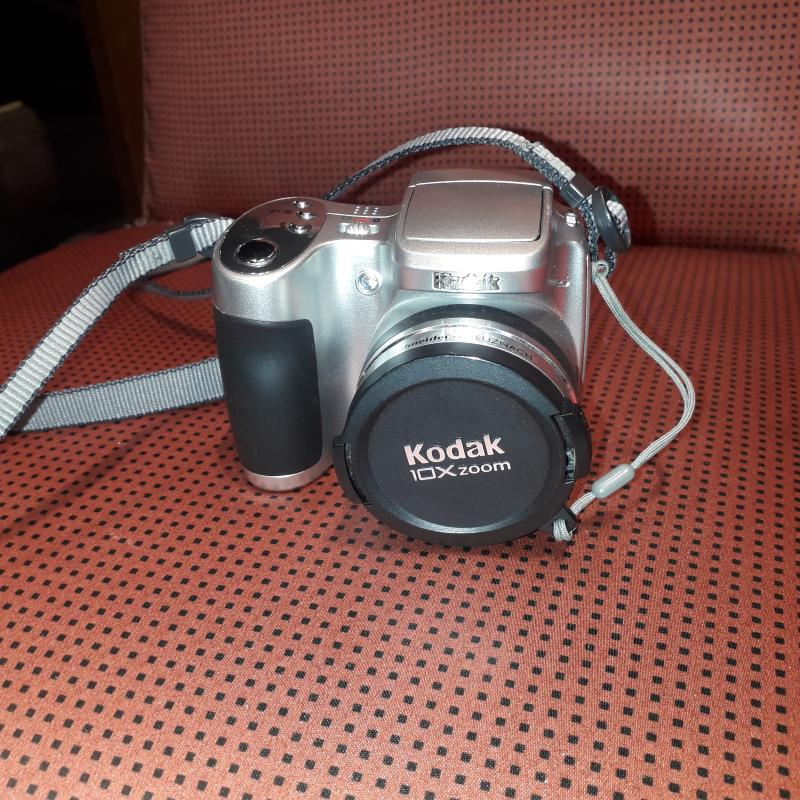 MACCHINA FOTOGRAFICA KODAK 10X ZOOM   Mercatino dell'Usato Busnago 1