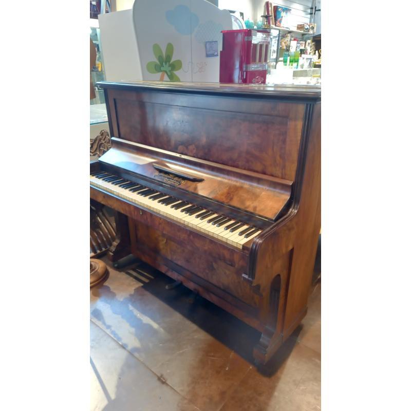 PIANOFORTE VERTICALE GIULIANO AJELLO 1880 | Mercatino dell'Usato Busnago 1