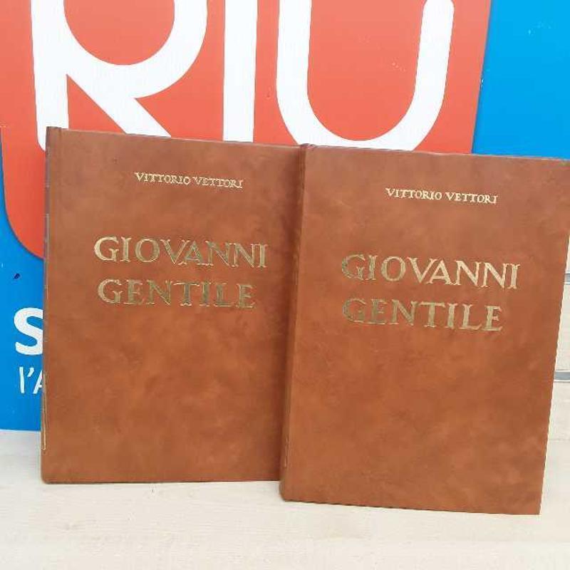 LIBRO 2 V GIOVANNI GENTILE VITTOTIO VETTORI | Mercatino dell'Usato Montesilvano 1