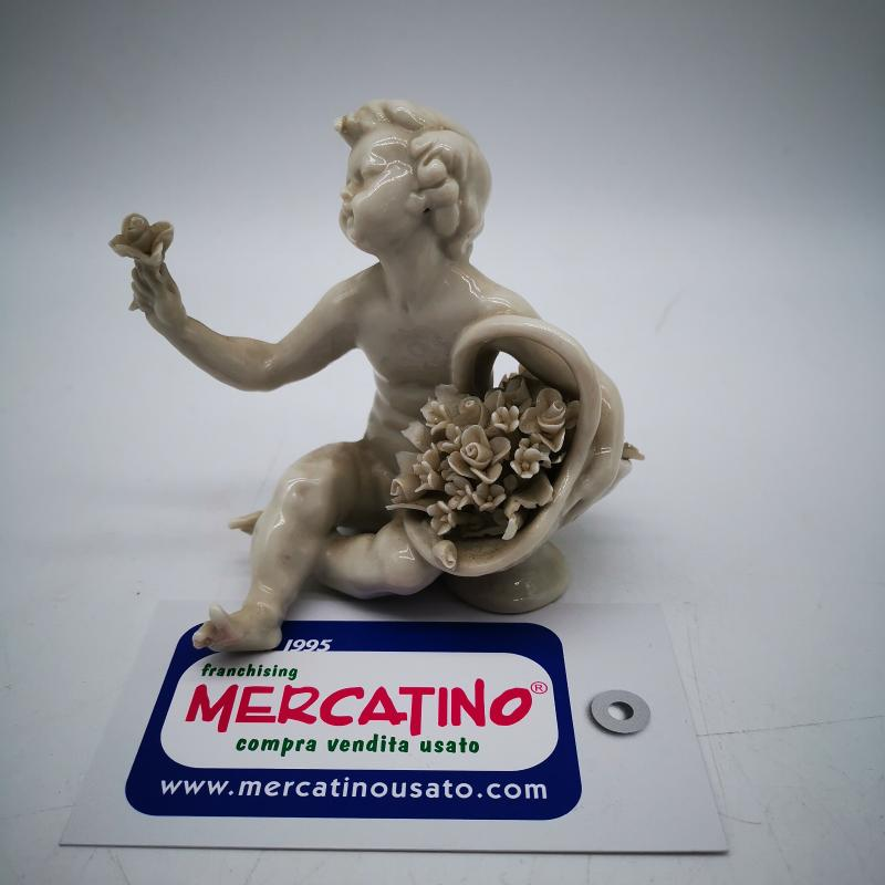 ANGELO PORCELLANA SEDUTO BIANCO  | Mercatino dell'Usato Roma gregorio vii 4