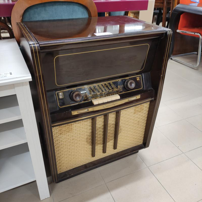 MOBILE RADIO CON GIRADISCHI GRUNDING | Mercatino dell'Usato Roma gregorio vii 1