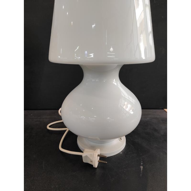 LAMPADA DA TAVOLO BIANCA LATTIMO STILE MAXIMO | Mercatino dell'Usato Roma monteverde 1