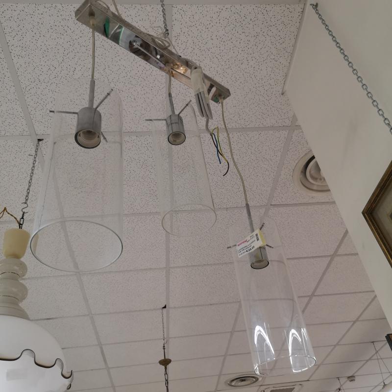 LAMPADARIO A SOSPENSIONE TRE LUMI VETRO | Mercatino dell'Usato Colleferro 2