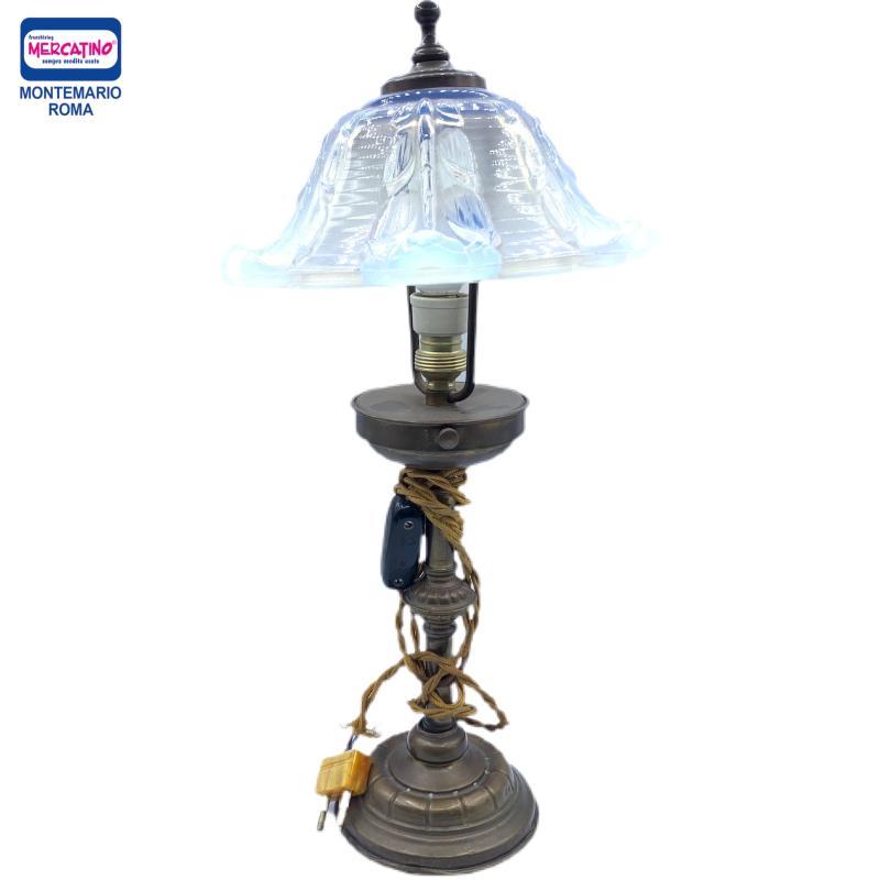 LAMPADA BASE OTTONE PARALUME MURANO OPALESCENTE | Mercatino dell'Usato Roma montemario 1