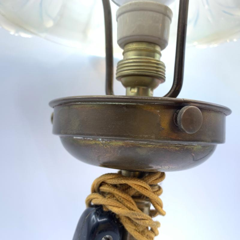 LAMPADA BASE OTTONE PARALUME MURANO OPALESCENTE | Mercatino dell'Usato Roma montemario 3