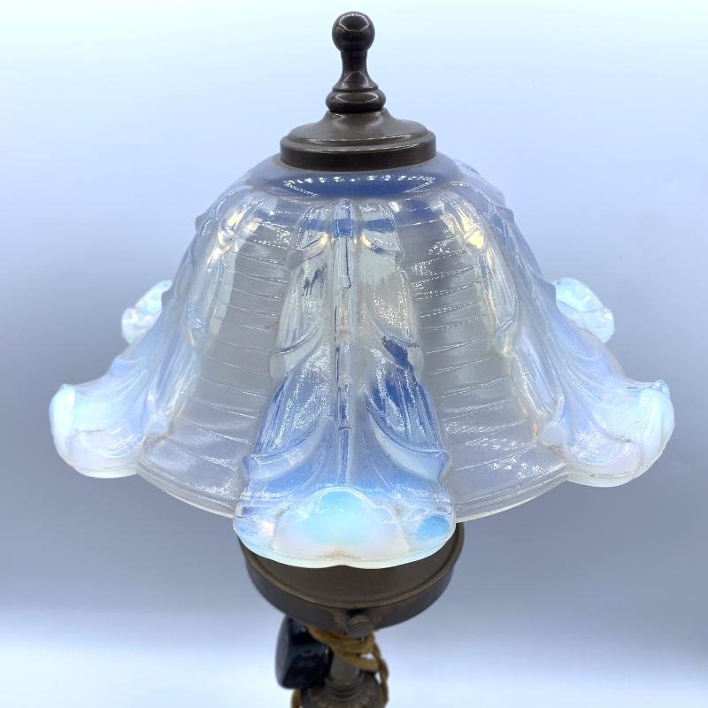LAMPADA BASE OTTONE PARALUME MURANO OPALESCENTE | Mercatino dell'Usato Roma montemario 5
