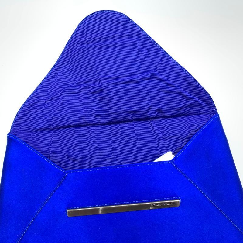 CLUTCH BAG BLU ELETTRICO BCBG MAX AZRIA | Mercatino dell'Usato Roma montemario 2