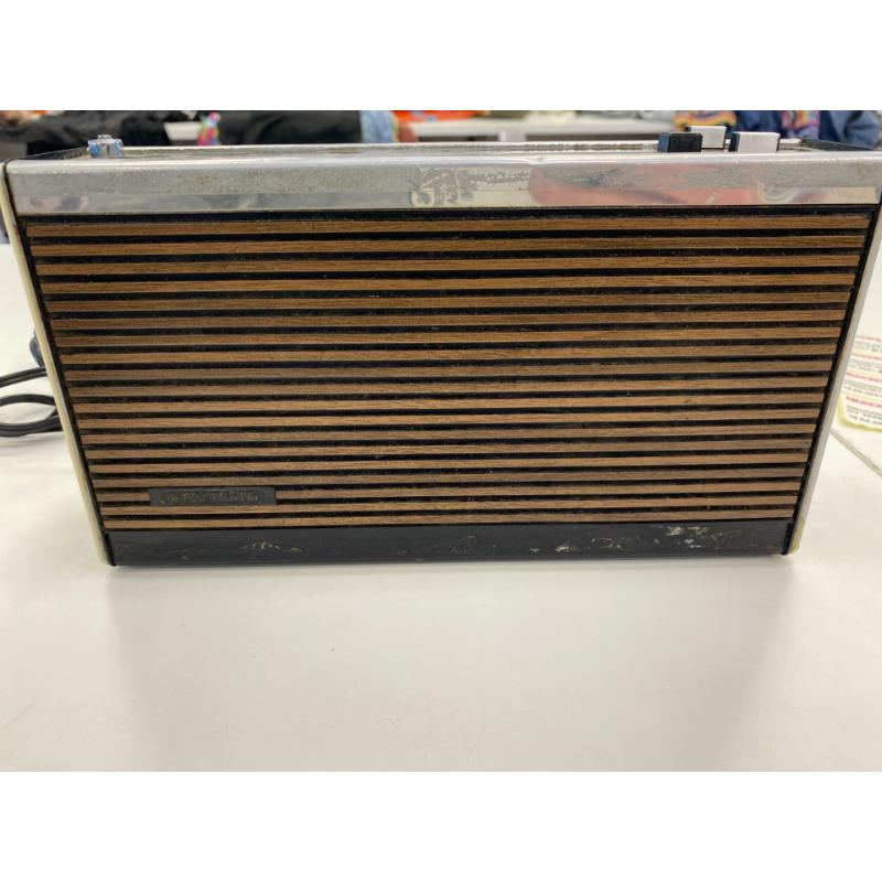 GRUNDIG RADIO MAGIC BOY 303B VINTAGE PORTABLE RADIO | Mercatino dell'Usato Teramo 1