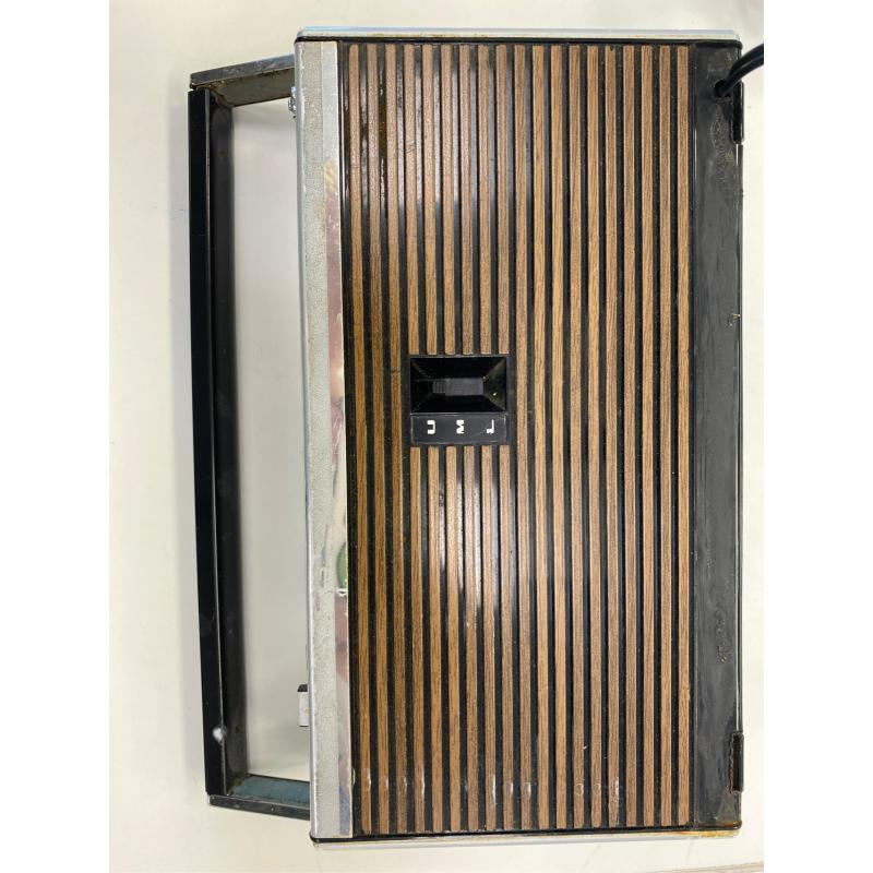 GRUNDIG RADIO MAGIC BOY 303B VINTAGE PORTABLE RADIO | Mercatino dell'Usato Teramo 3