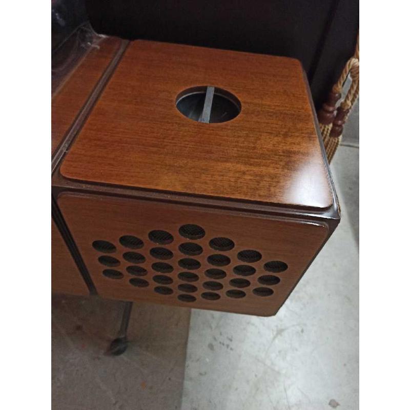 BRIONVEGA RR126 CASTIGLIONI MARRONE BROWN GIRADISCHI E RADIO CUBO CON ROTELLE | Mercatino dell'Usato Teramo 3