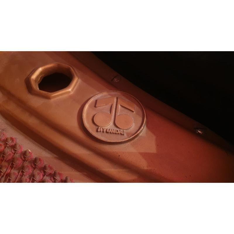 PIANOFORTE MEZZA CODA MAEARI INTERNO HYUNDAI COD. 810309 LACCATO NERO CON SGABELLO | Mercatino dell'Usato Teramo 4