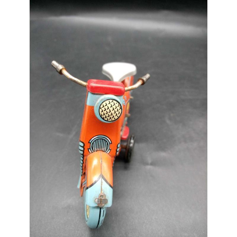 MOTOCICLETTA IN LATTA CARICA A MOLLA SENZA CENTAURO   Mercatino dell'Usato Moncalieri bengasi 2