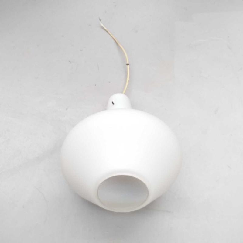 LAMPADARIO OPALINE BIANCO 1 LUX | Mercatino dell'Usato Moncalieri bengasi 1