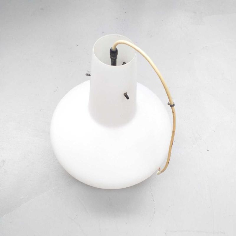 LAMPADARIO OPALINE BIANCO 1 LUX | Mercatino dell'Usato Moncalieri bengasi 2