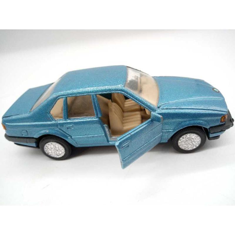 MODELLINO AUTO BMW 750 WELLY | Mercatino dell'Usato Moncalieri bengasi 2
