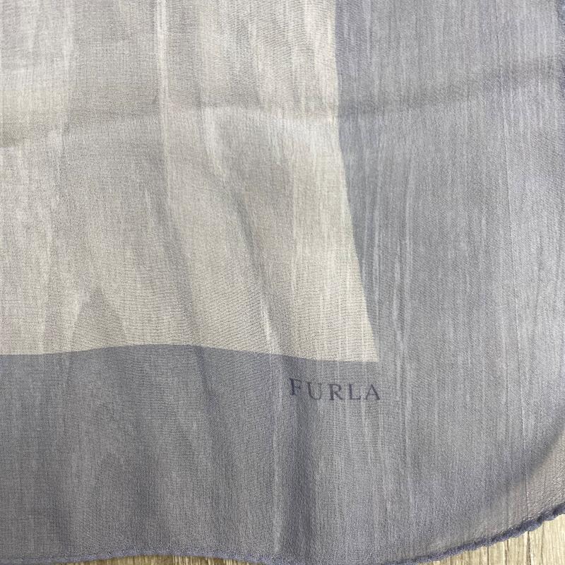 FOULARD FURLA 100%SETA GR  | Mercatino dell'Usato Torino via gorizia 3