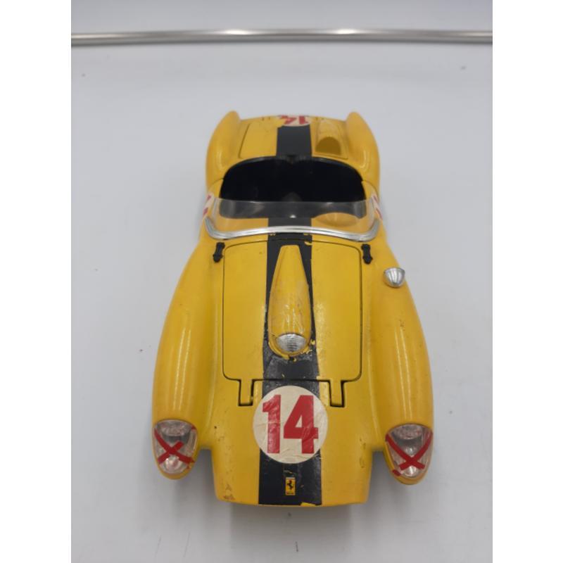 MODELLINO AUTO FERRARI GIALLA 250 TESTA ROSSA 1957 BURAGO | Mercatino dell'Usato Osasco 1