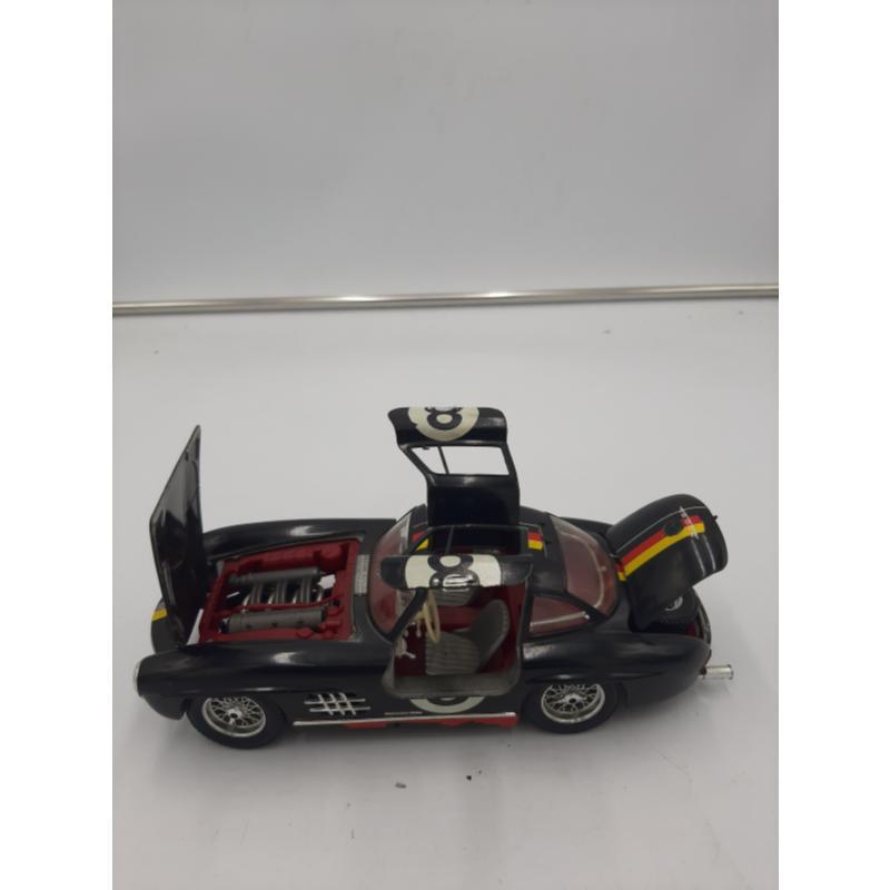 MODELLINO AUTO NERA MERCEDES BENZ 300 SL BURAGO | Mercatino dell'Usato Osasco 1