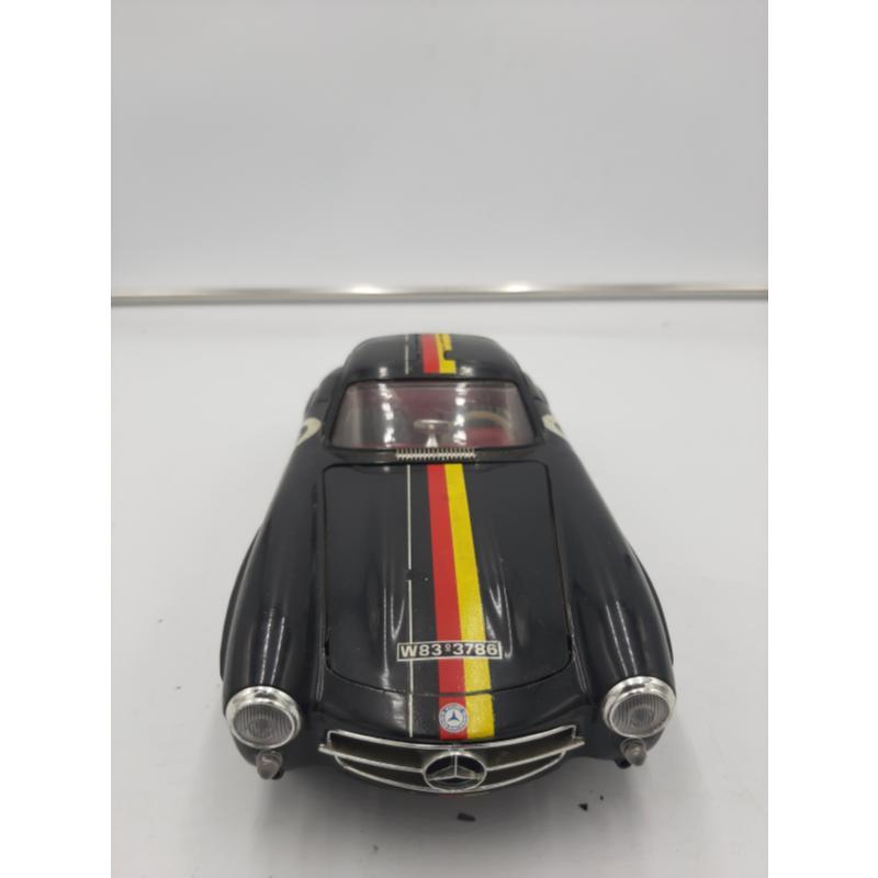 MODELLINO AUTO NERA MERCEDES BENZ 300 SL BURAGO | Mercatino dell'Usato Osasco 3