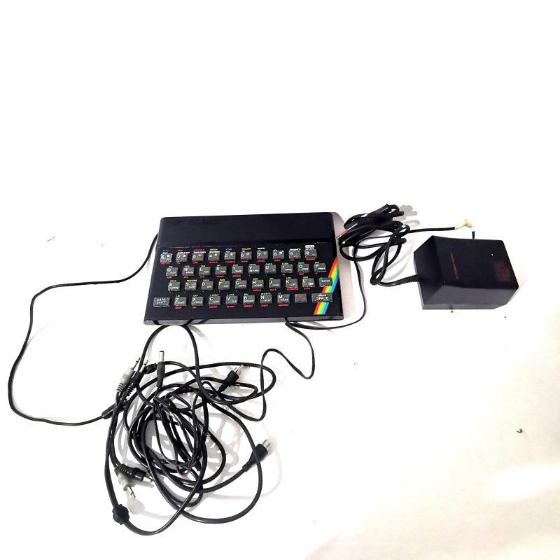 HOME COMPUTER VINTAGE SINCLAIR ZX PECTRUM + GIOCHI   Mercatino dell'Usato Torino tommaso grossi 1