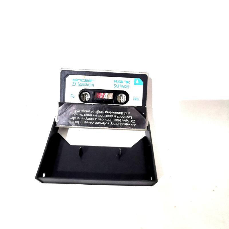 HOME COMPUTER VINTAGE SINCLAIR ZX PECTRUM + GIOCHI   Mercatino dell'Usato Torino tommaso grossi 4