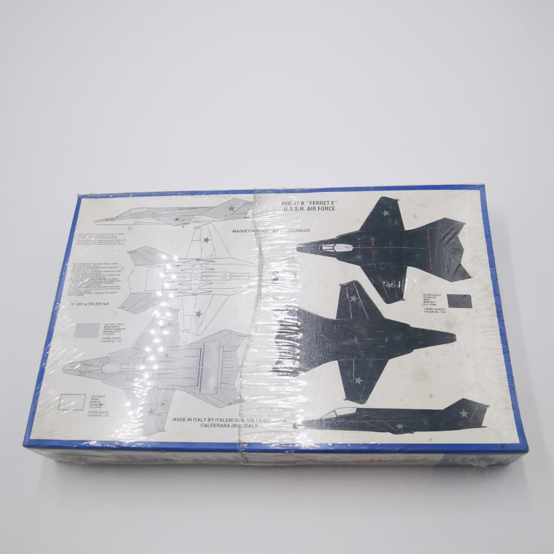MODELLINO AEREOPLANO MI9G 37B FERRET  | Mercatino dell'Usato Torino tommaso grossi 2