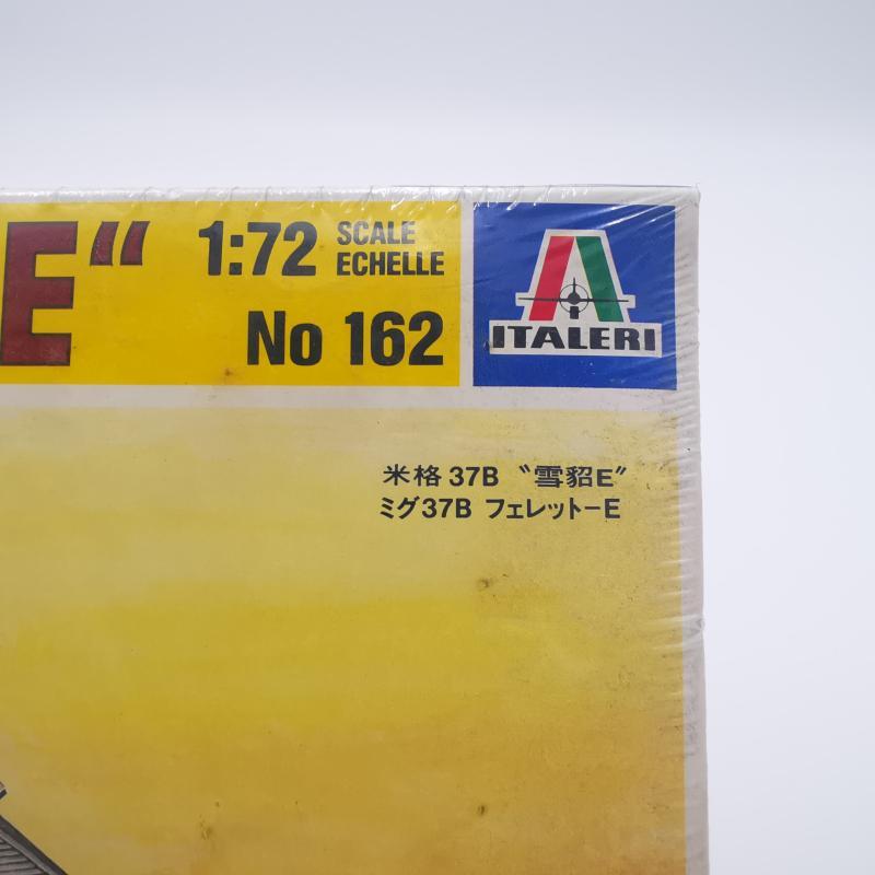 MODELLINO AEREOPLANO MI9G 37B FERRET  | Mercatino dell'Usato Torino tommaso grossi 5