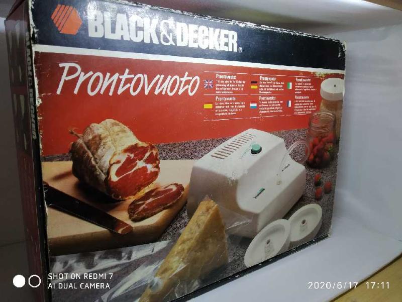 MACCHINA SOTTOVUOTO PRONTO VUOTO BLACK E DECKER | Mercatino dell'Usato Chieri 1
