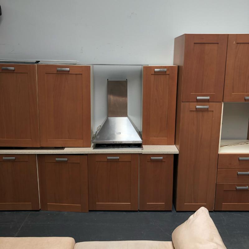 Cucina legno senza frigo e forno